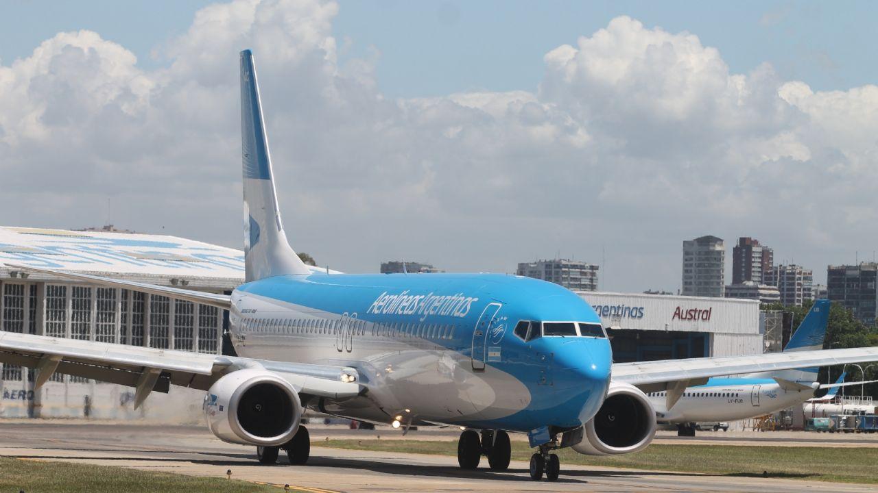 Aerolíneas Argentinas confirmó dos nuevos vuelos especiales a Miami y Madrid