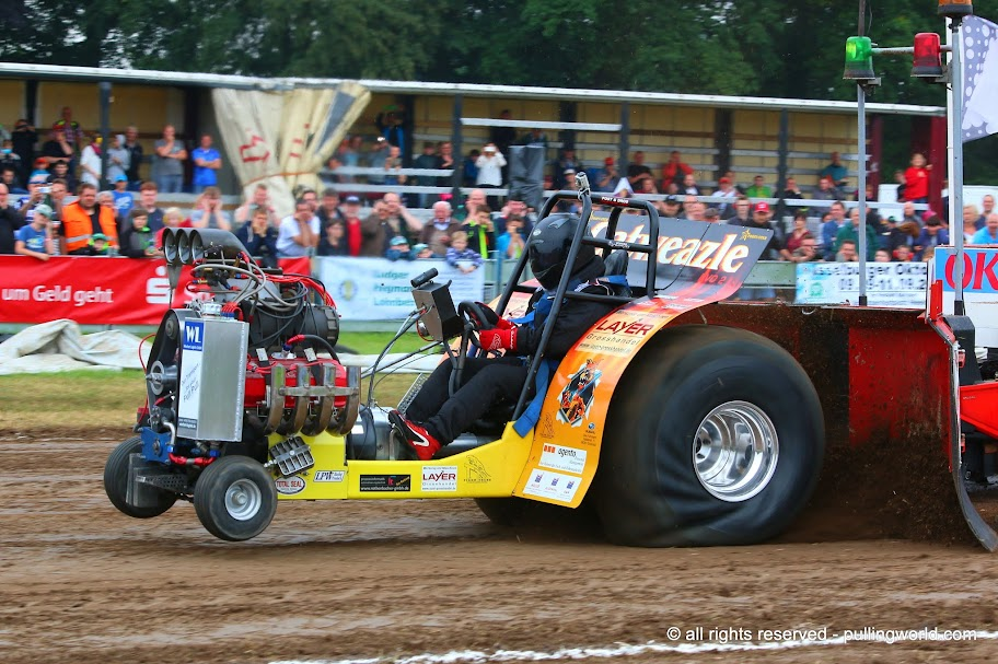 Tractor Pulling Clutch : Tractor pulling news pullingworld german champions