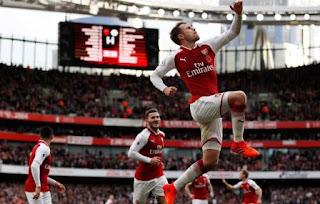 Arsenal Menang 2-1 atas Swansea City