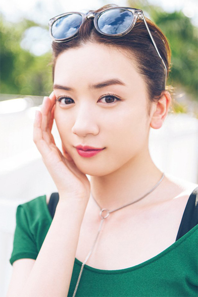 Yuka Ogura 小倉優香, Young Magazine 2019 No.16 (ヤングマガジン 2019年16号)