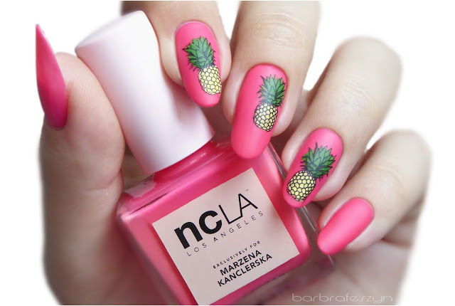 Neonowe ananasy