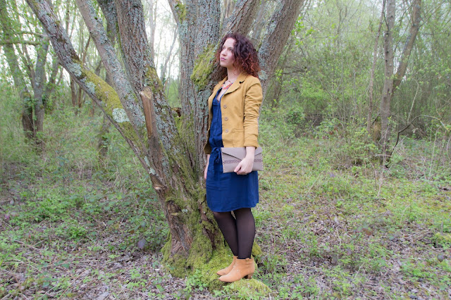 robe en jean veste moutarde bottines promod