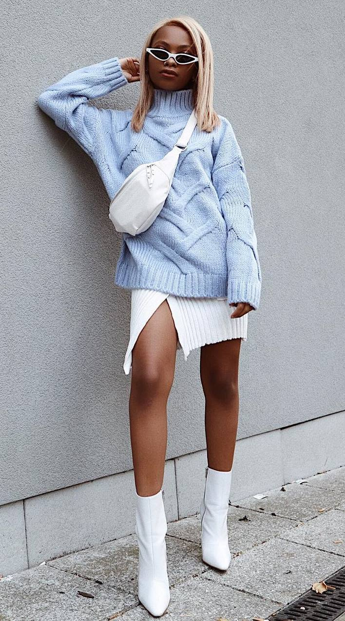 how to wear a blue sweater : white bag + sweater dress + boots