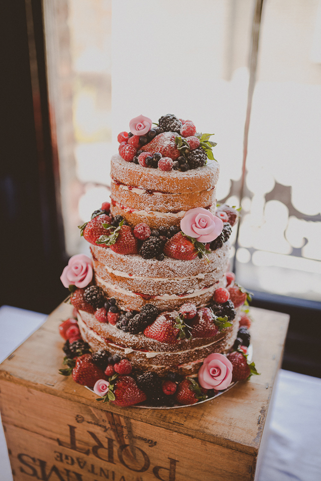 Red fruits naked cake