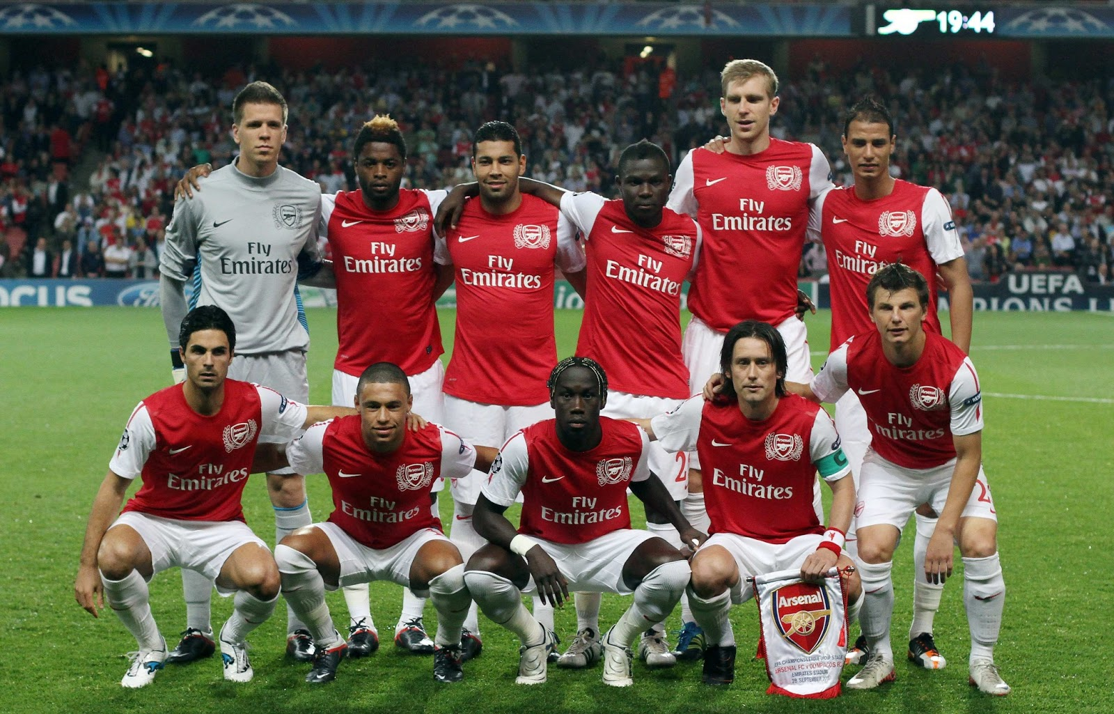 wallpapers hd for mac: Arsenal FC Wallpaper 2013