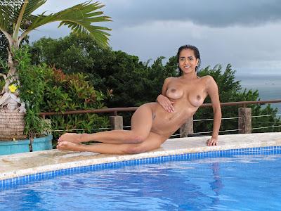 InTheCrack 1126 Abby Lee Brazil