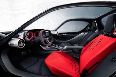 Το τεχνολογικά προηγμένο εσωτερικό του Opel GT Concept