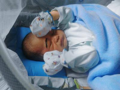 Bang Alif 2 Tahun, Alhamdulillah, love story of birthing, Ella Nurhayati, http://kataella.blogspot.co.id/, cerita melahirkan, ruang operasi, kelahiran postern, kisah melahirkan, perjuangan ibu