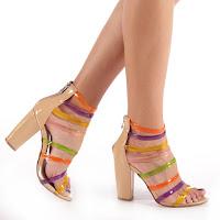 Sandale cu toc gros elegante bej cu barete colorate