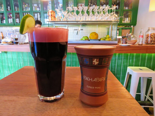 Places to eat in Cusco on a 3 day itinerary: chicha morada and a pisco sour from Pachapapa