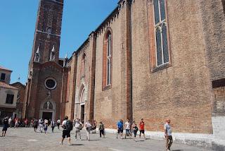 la basilique mineure Santa Maria Gloriosa dei Frari…