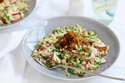 Lentil & rice salad with caramelised onions