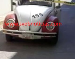 Hallan cuerpo decapitado dentro de un taxi en Acapulco Guerrero