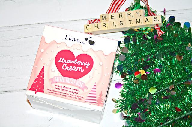 I Love... Strawberry Cream Mini Treat Box