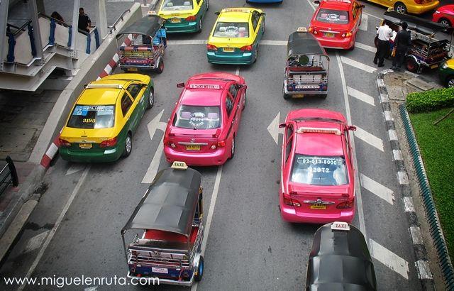 Taxi-tuk-tuk-Bangkok