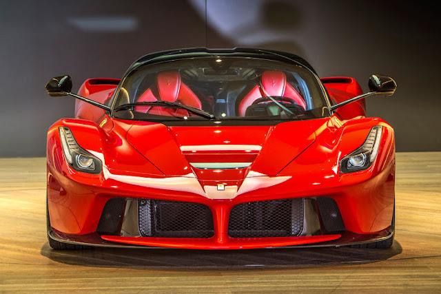 Los famosos carros de los famosos