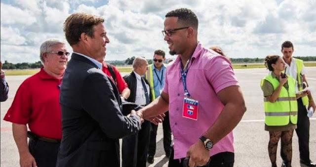 Tony Castro y José Dariel Abreu en la visita que realizará la MLB a Cuba el pasado diciembre