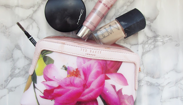 Makeup bag LauraThinksAbout