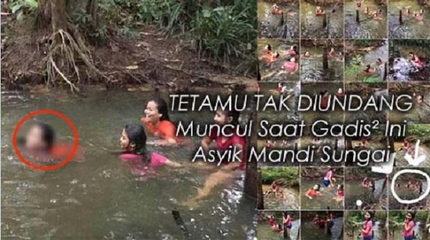 Tetamu Tak Diundang Muncul Saat Gadis-Gadis Ini Asyik Mandi Sungai