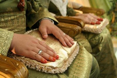 Hukum Memakai Inai Bagi Lelaki Di Tangan