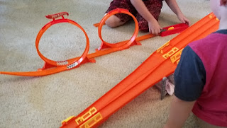 hot wheels loop track