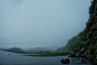 Những hồ nước phủ sương mơ màng khi sang đông 5