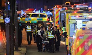 ضحايا في حادث دهس بحافلة صغيرة على جسر لندن