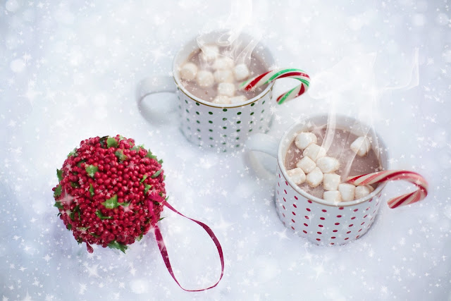 How to host an AWESOME North Pole Christmas Breakfast including tableware from TK Maxx, food ideas and table printables - hot chocolate