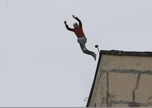 الجهوية 24 - انتحار مواطن من الطابق السادس في ليلة عيد المولد