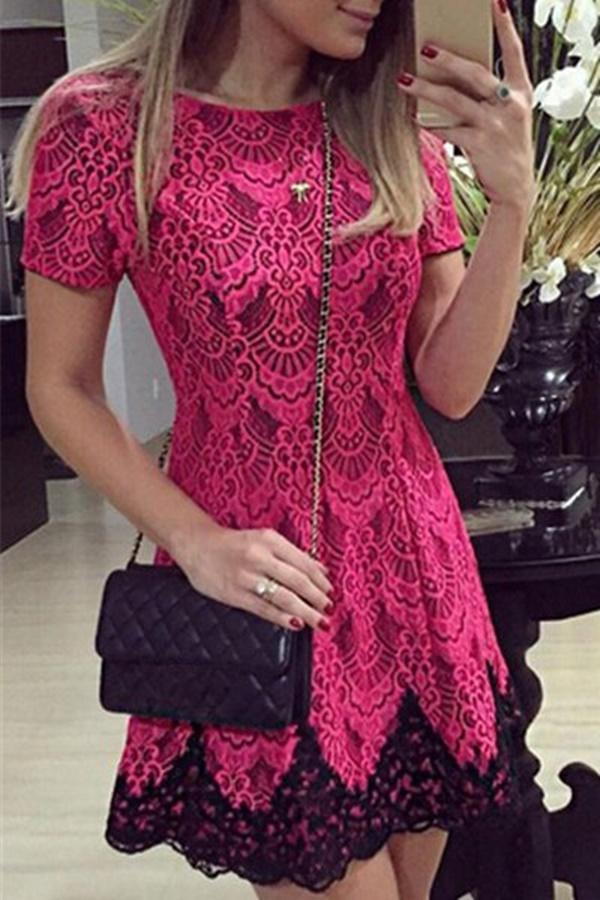 vestido rosa e preto com mangas