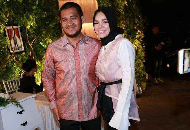 Dewi Sandra Pecahkan Rekor Berumah Tangga dengan Agus Rahman