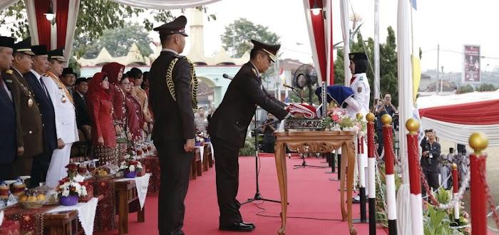 Kapolda Lampung Irjen Sudjarno Pimpin Upacara Penurunan Bendera