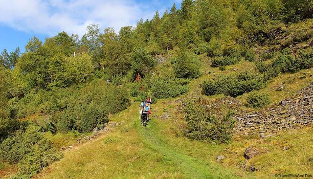 Randonnée vers le village Hovdungo depuis Vikesland, Norvège du sud