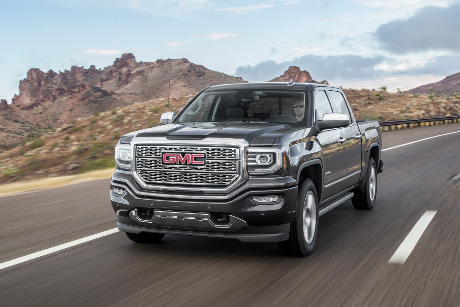 the best of cars gmc sierra 1500 denali 2016. Black Bedroom Furniture Sets. Home Design Ideas