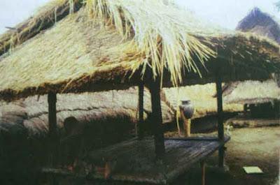 perkampungan-tradisional-suku-sasak-NTB