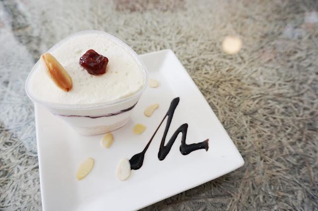Ola Lavanderia Cafe - White Melaka Cheese Cake