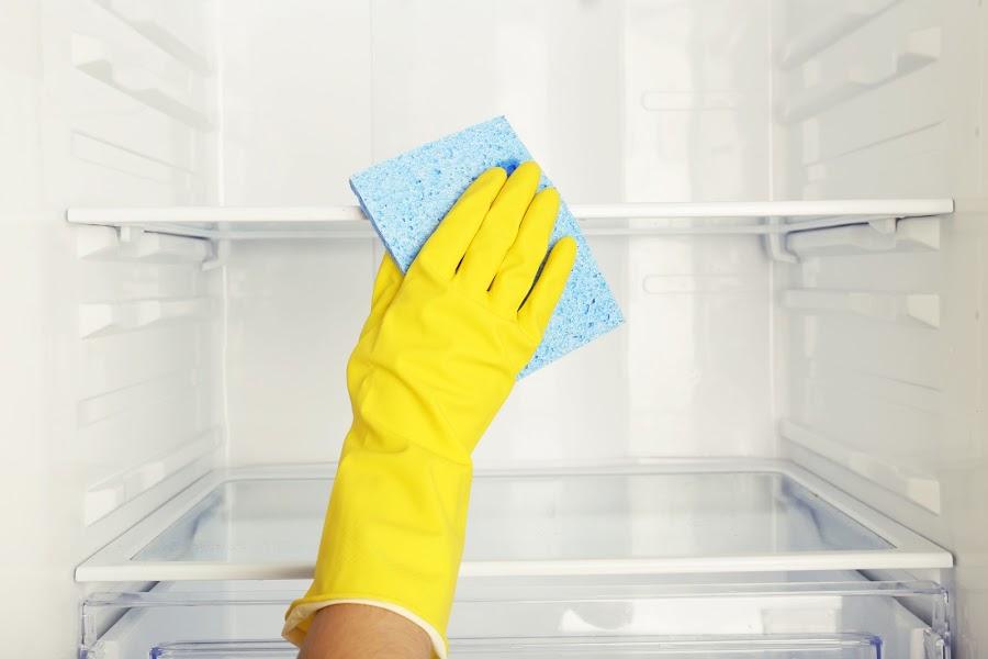 Cómo limpiar tu nevera con bicarbonato