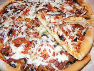pizza, retete pizza, reteta pizza, pizza italiana, pizza cu de toate, pizza de casa cu blat subtire si pufos, pizza de casa simpla, pizza reteta, retete culinare, retete, retete de mancare, gustari, pizzreii, pizzerie, retete pizzerie, retete patiserie, pizza de casa reteta, food, #pizza, pizza preparatedevis,