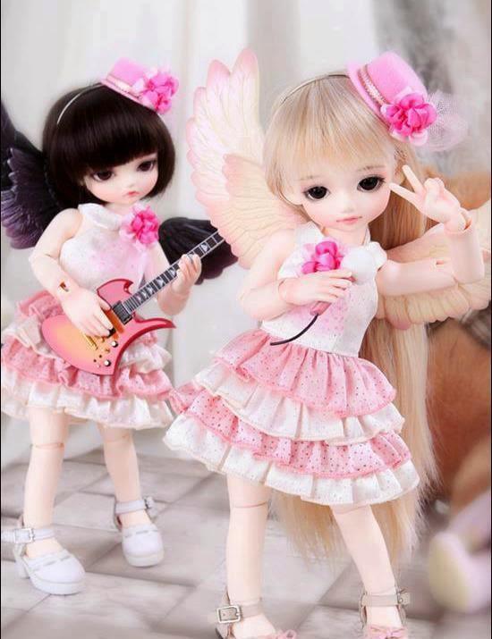 Chimney Bells Freecute Twins Barbie Dolls Hd Wallpaper