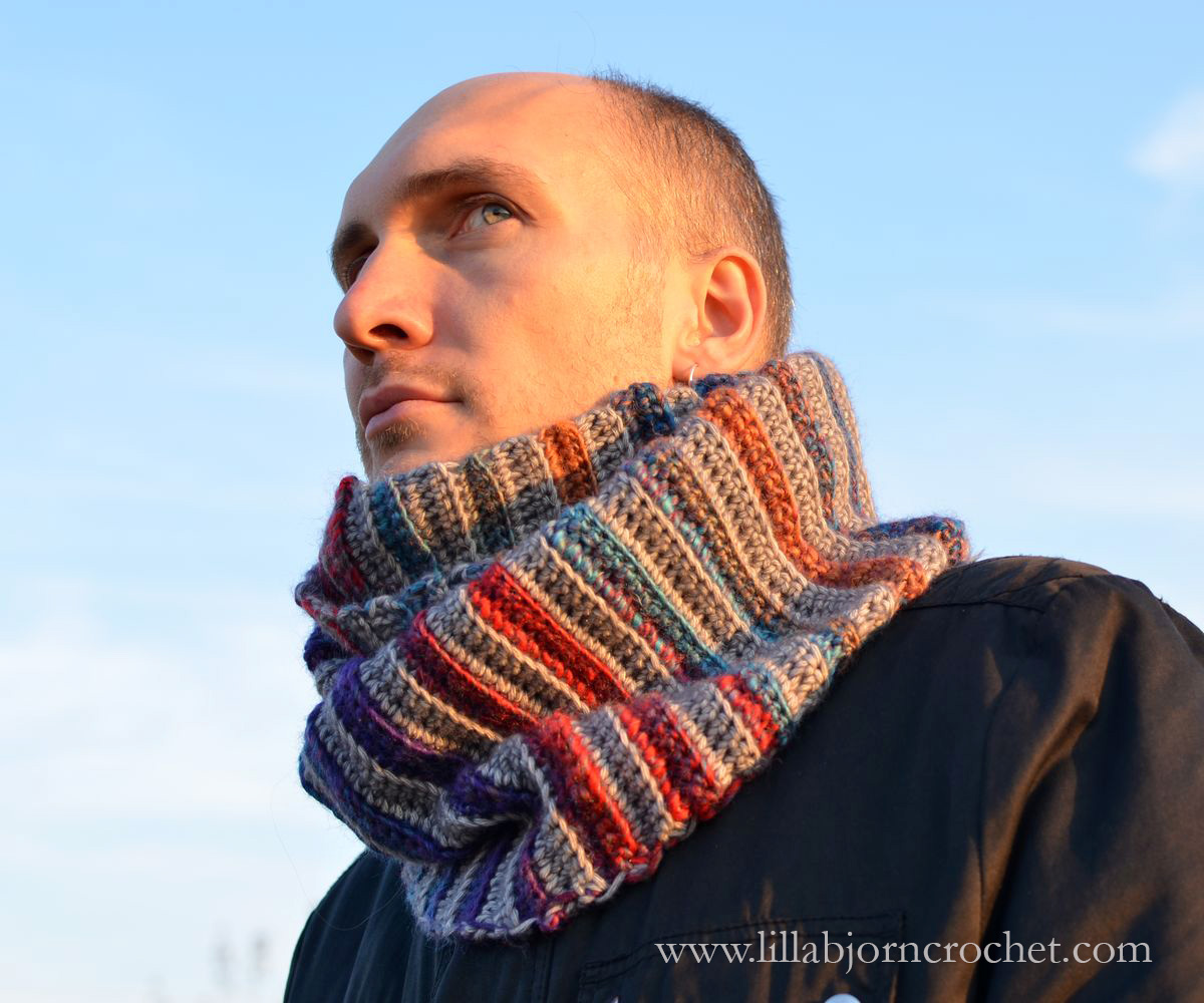 Forest Fog Cowl FREE crochet pattern by www.lillabjorncrochet.com