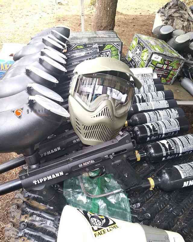 salah satu peralatan paintball milik gravity adventure