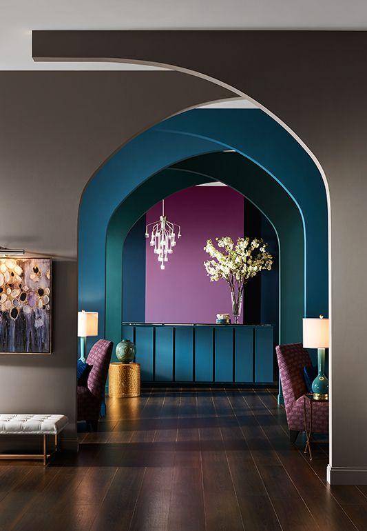 3 color analogous hallway