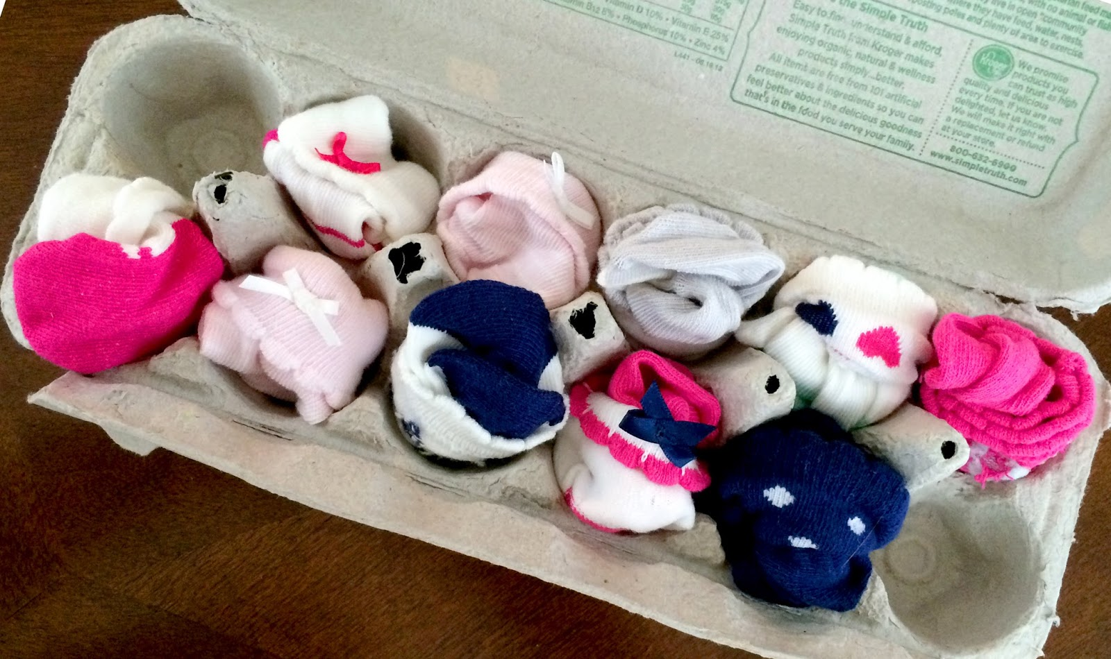 cozy birdhouse | baby socks in an egg carton!