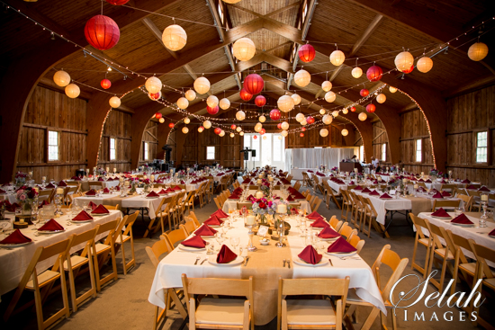 Selah Images Pete Alyssa Are Married A Gorgeous Genesee Country Village Rainy Day Rustic Wedding