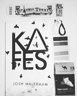 Kafes, Sakın Gözlerini Açma, Josh Malerman, 9786053754718, Bird Box, Aslı Dağlı, İthaki Yayınları, Roman, Edebiyat, Korku-Gerilim, Kitap Yorumları,