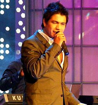 Foto de Américo en programa de Tv