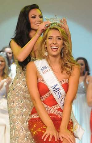 Ellen Bryan was crowned Miss Ohio 2011