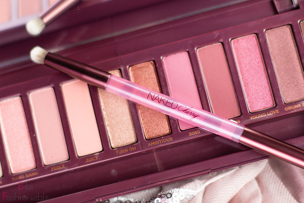 Urban Decay Naked Cherry Pinsel