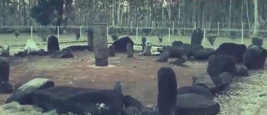situs batu mayat di taman purbakala Pugung raharjo