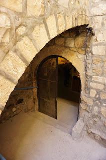 פתח הכניסה מבוך למערת אל-קילאי